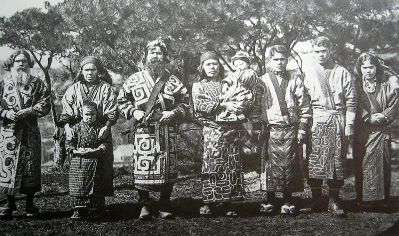 アイヌ民族は1912年には北海道に...