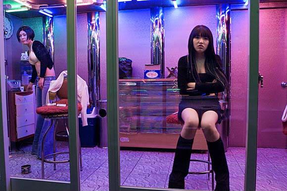 - Salon de massage prostitution ...