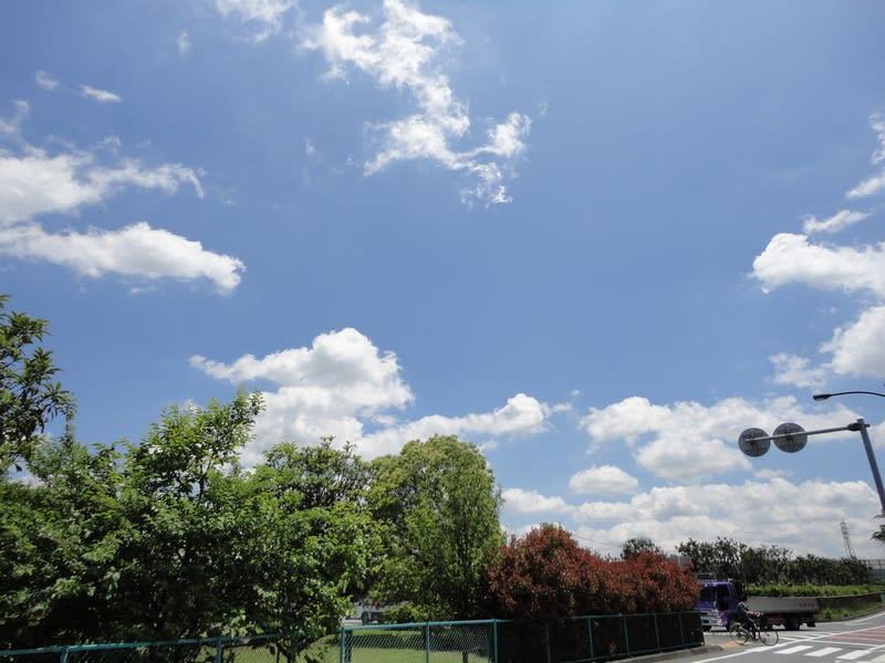 05月27日 昼の雲