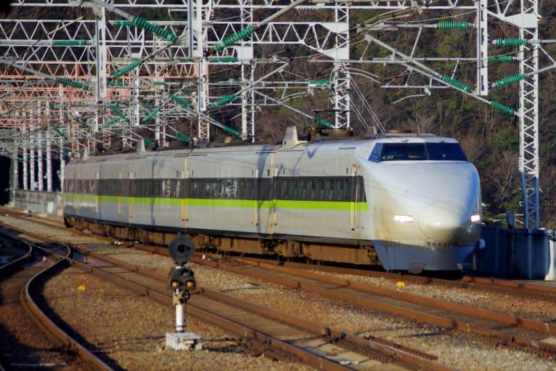 新幹線100系JR西日本カラー6両編成「こだま」