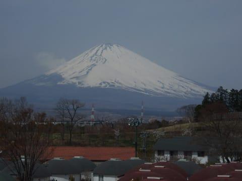 御殿場高原ビールの敷地内から見た富士山