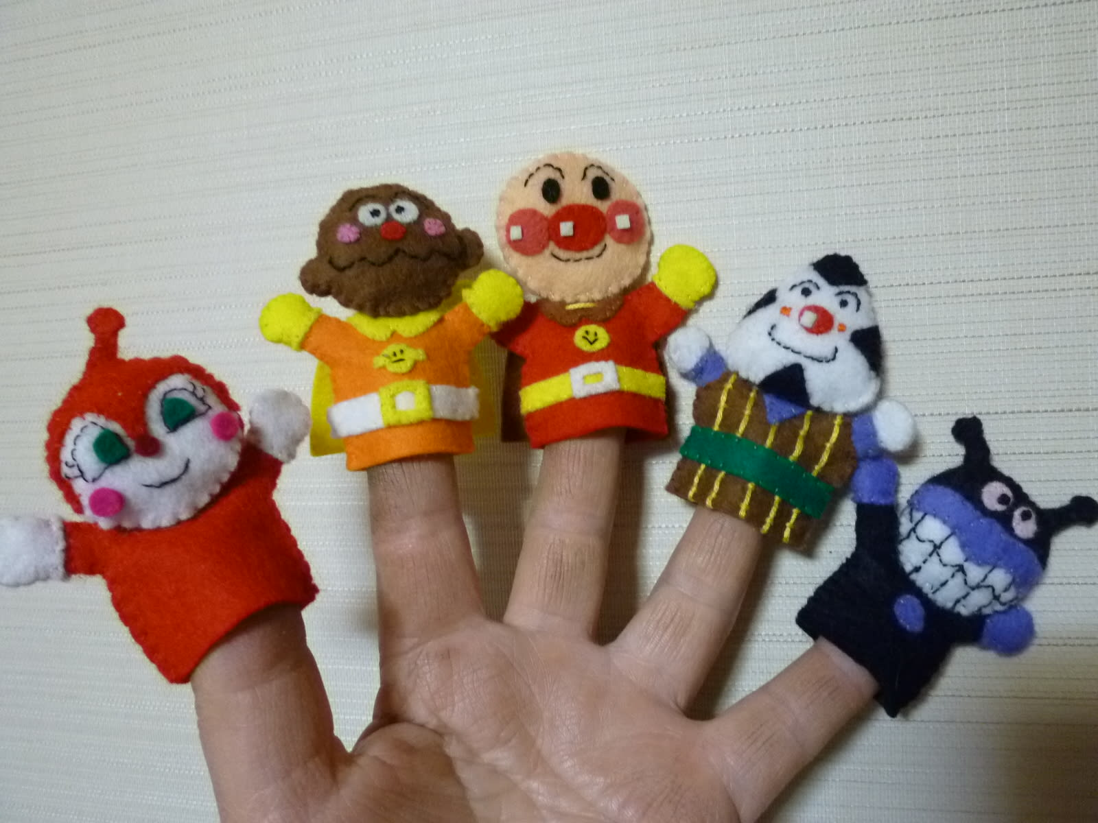 アンパンマンの指人形の画像