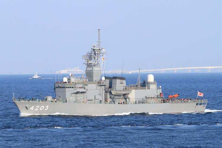 訓練支援艦 ATS-4203〝 てんりゅ...