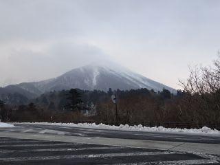 今日の大山。温度計が付いてないのは、故障中かな?