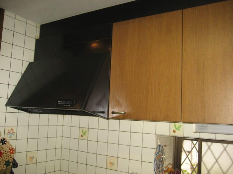 キッチン吊戸棚の工事前