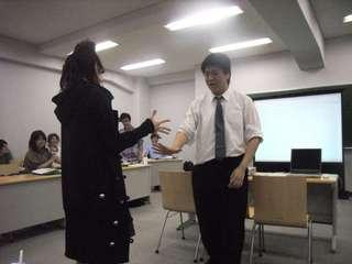 20080526後藤ゼミでじゃんけんをしている写真