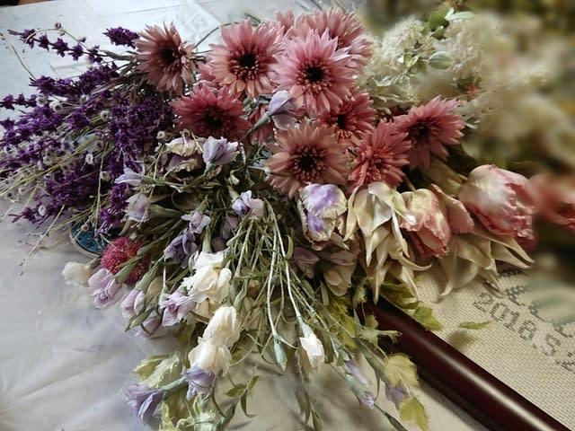結婚式の準備仕上げに入りました 両国の布花と日々の暮らし 阿藤雅恵布花教室の布花作品の紹介