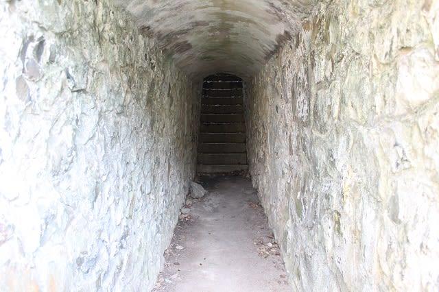 下関要塞 火の山第四堡塁砲台 砲座・通路 - 魅了されたもの・・・