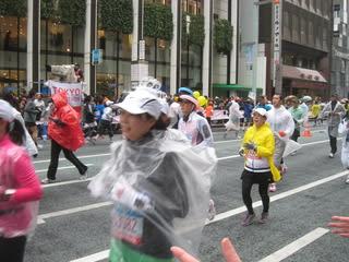 東京マラソン2010 仮装大賞なラ...