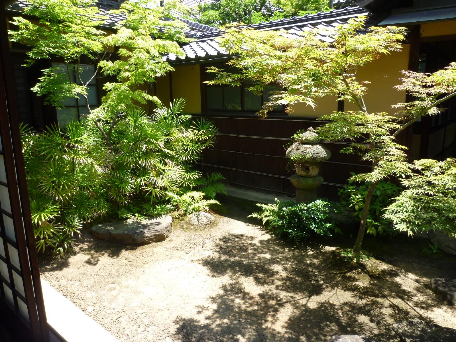 貞照院の庭の画像