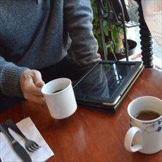 「常識と思っていた喫茶店で出されるお水、必」の質問画像