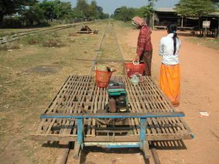 カンボジア鉄道の旅 バンブート...