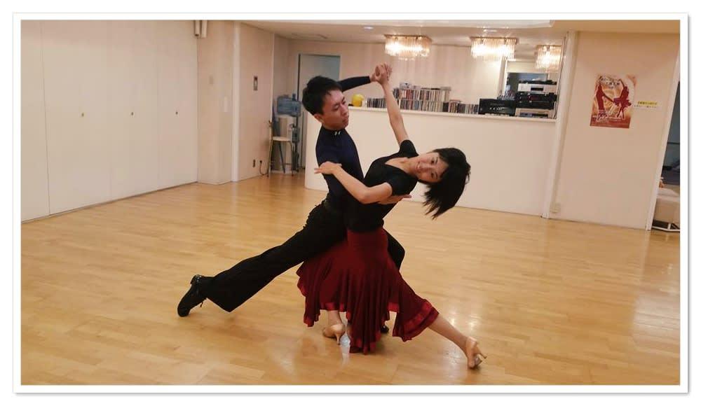 ダンス パートナー 募集 社交 【社交ダンスでパートナーを見つける方法3つ】組む相手はどこで見つけたらいいの?