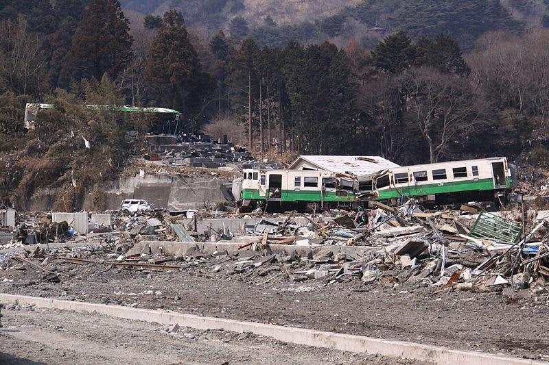 800pxcarried_train_in_ishinomaki_li