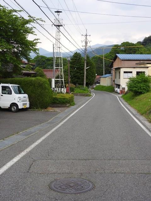 木曽町(旧日義村)のマンホール...