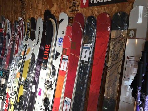 スキー用品続々入荷中!!! PAPASUのNOTE
