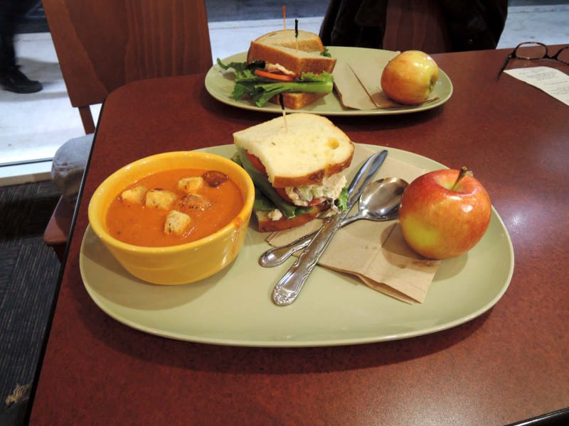 Sandwich_and_tomato_soup