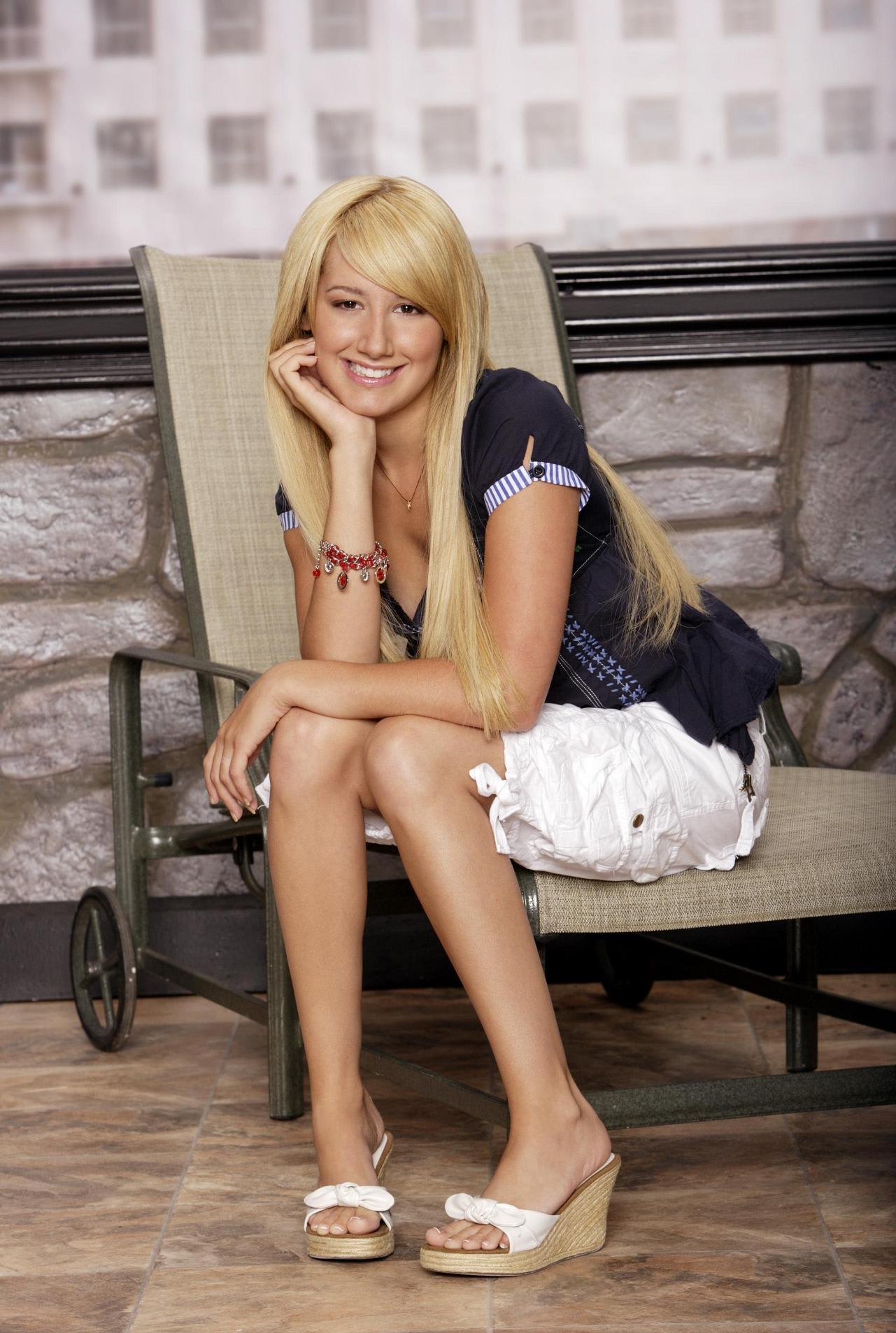 Ashley Tisdale - Suite Life Promos 2 - Favorite -4243