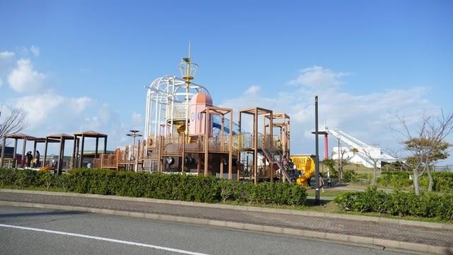 内灘町総合公園の大型遊具