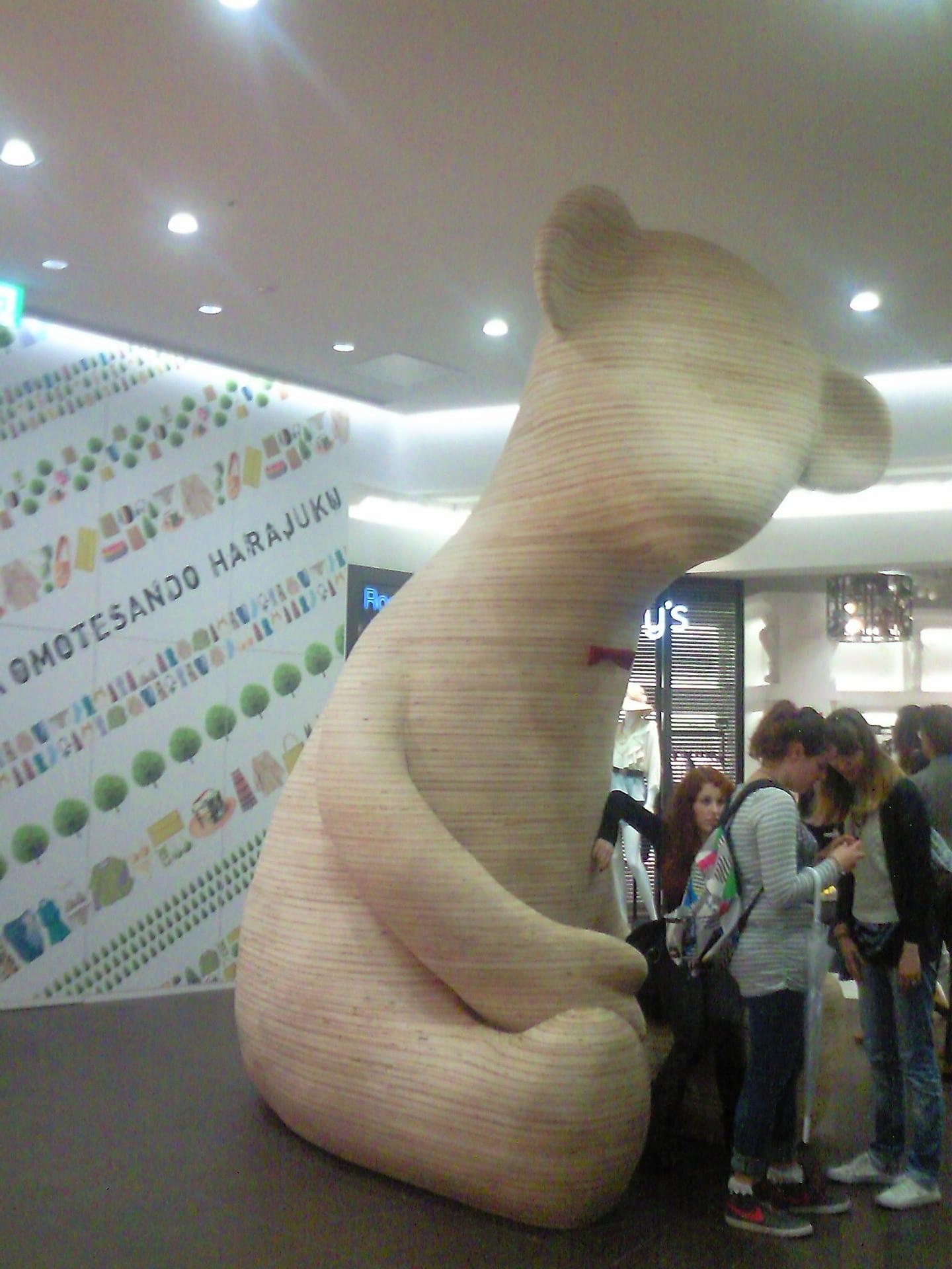 3階の巨大な熊