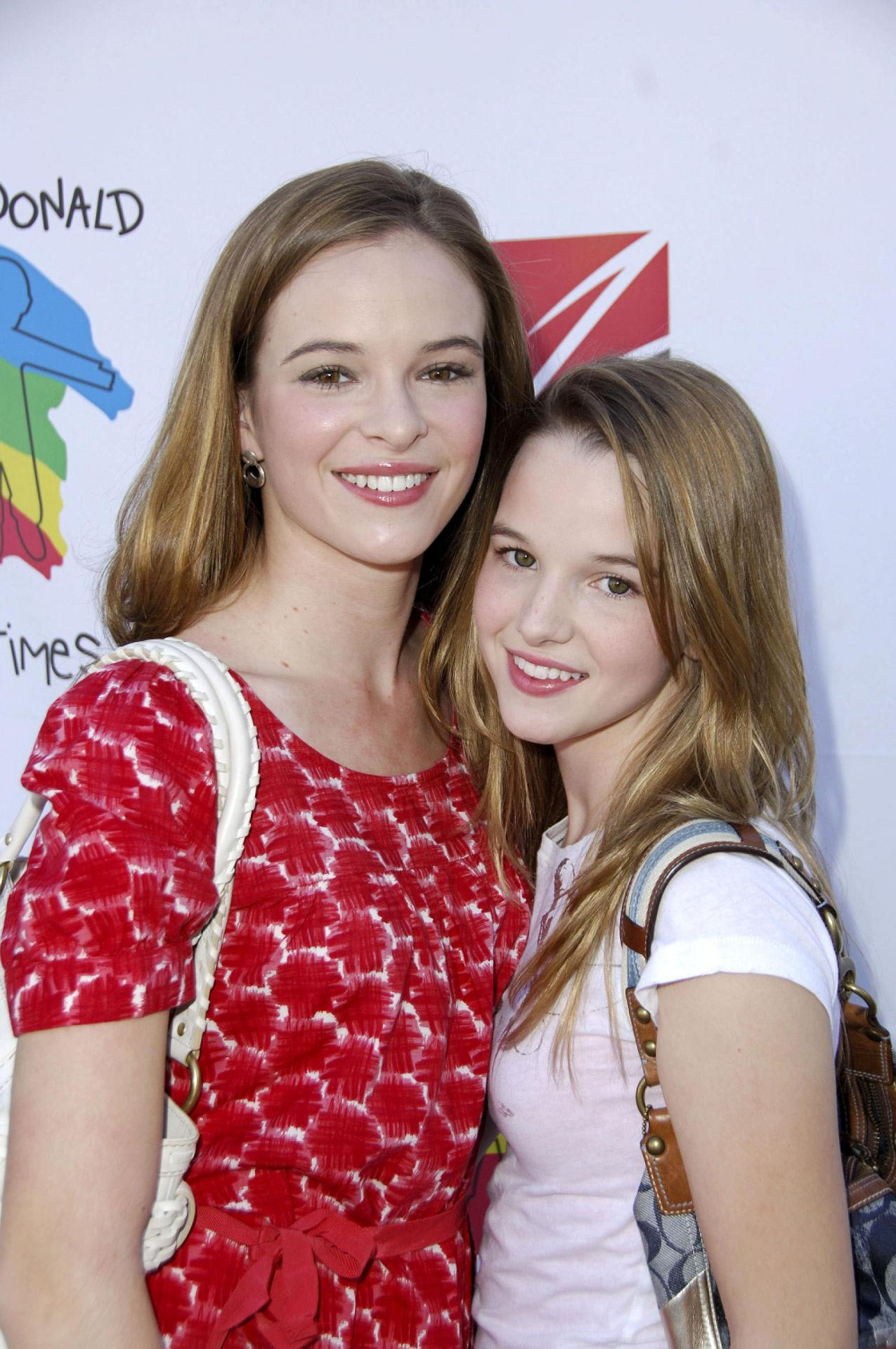 Kay Panabaker - Halloween Carnival 22 Oct 2006 - Favorite Celebrity Pictures-3475