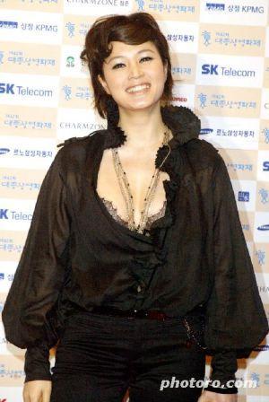 d5bc0ca702f99 セクシーダイナマイト・김혜수 ヘスおねーたまです(「顔のない美女」で主演女優賞受賞)