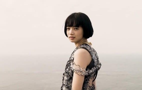 小松菜奈の歌声 ……映画『さよならくちびる』と、壱岐限定の雑誌『COZIKI』…… - 一日の王