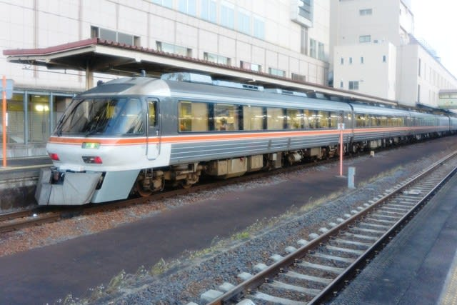 JR東海キハ85系気動車 - 観光列車から! 日々利用の乗り物まで