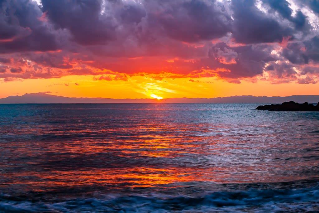 相模湾の夕日の写真