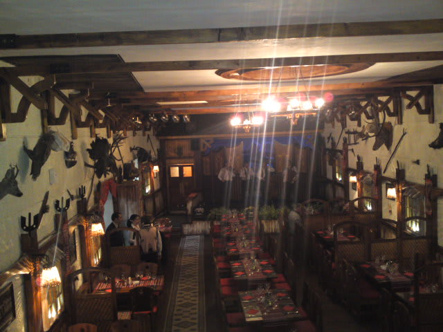 111115romaniantraditionalrestaurant
