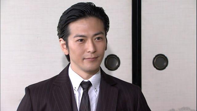 須賀貴匡のオールバック画像