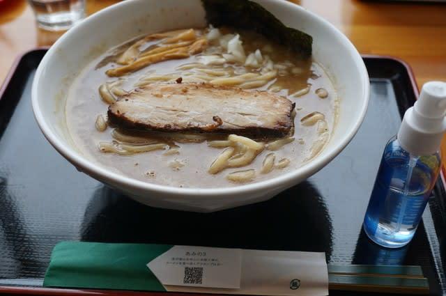 20120 麺家一鶴「濃厚らーめん」@富山 5月16日 ニボトンより強いヒキがある!