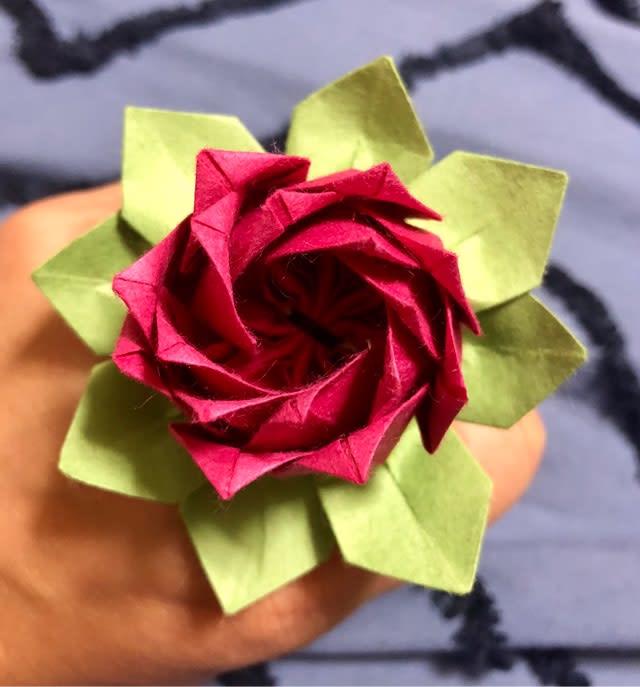 花 折り紙 の ハス