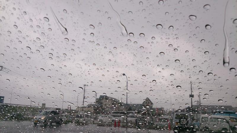雷雨でサーフィン中止!!