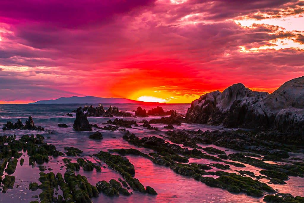白浜屏風岩の夕暮れ写真