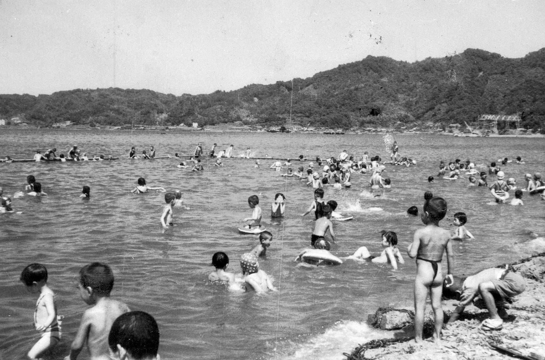 小学生 フルチン 日本の裸褌祭 【33】 冬至水行祭 - YouTube