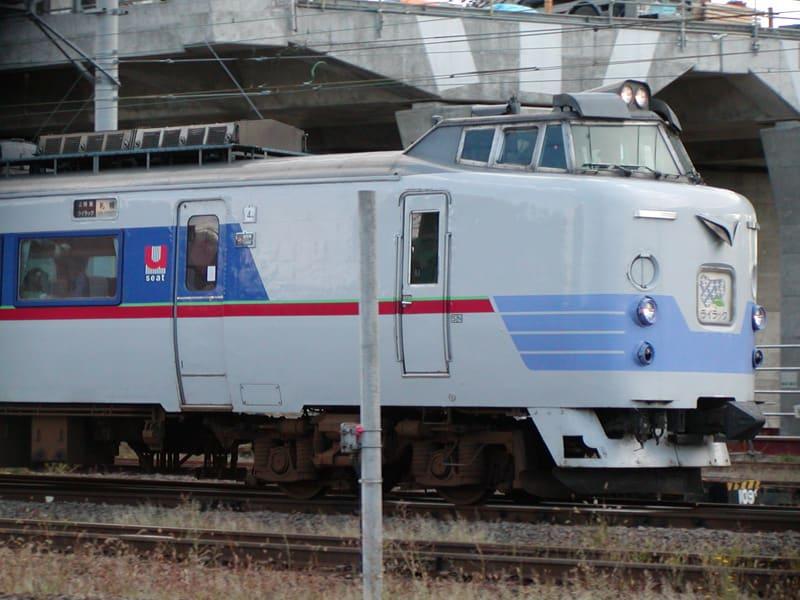 午後2時30分、旭川駅を発ち札幌へ向かうライラック。これから1時間32分ほどの旅へ。行ってらっしゃい・・・
