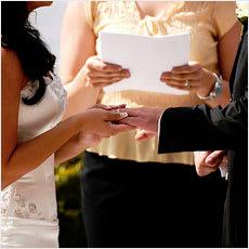 「どうして結婚したんだろう? ←この記事ど」の質問画像