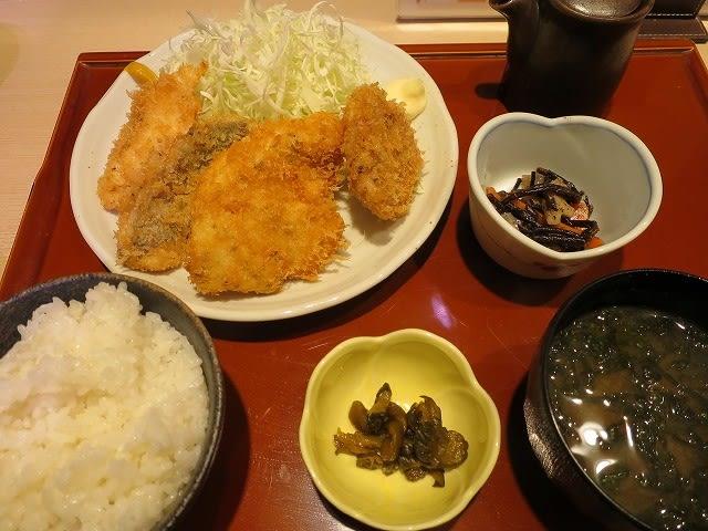 気まぐれランチ(ミックスフライ定食)