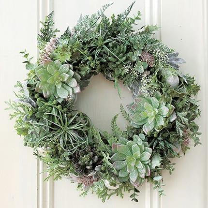 部屋や玄関のドアに飾った フェイクグリーン造花