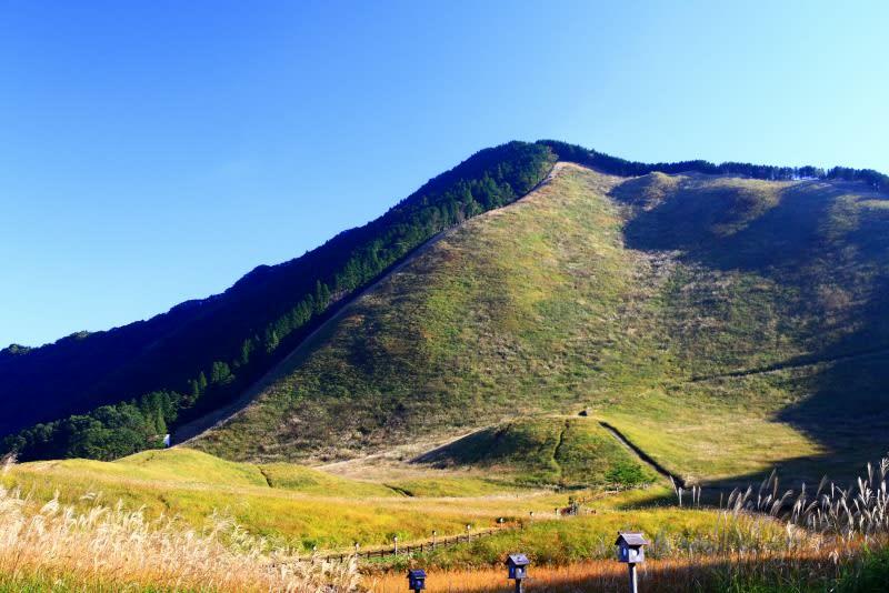 澄んだ秋空-奈良県曽爾村:曽爾高原 - よっちんのフォト日記