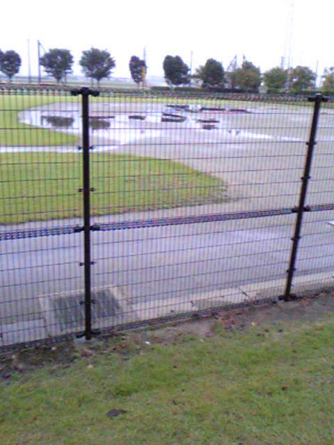 雨で中止にの画像