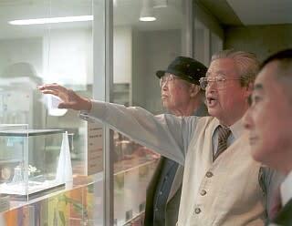 日本ホタルの会名誉会長の写真