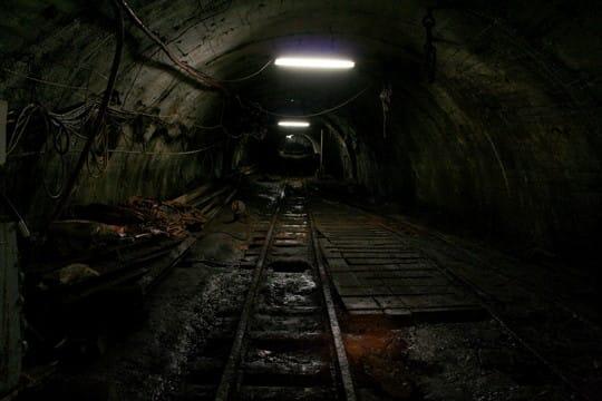 池島炭鉱 #02 坑道 - 黒沢永紀オフィシャルブログ (旧・廃墟徒然草)