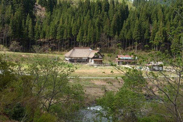 ポツン と 一軒家