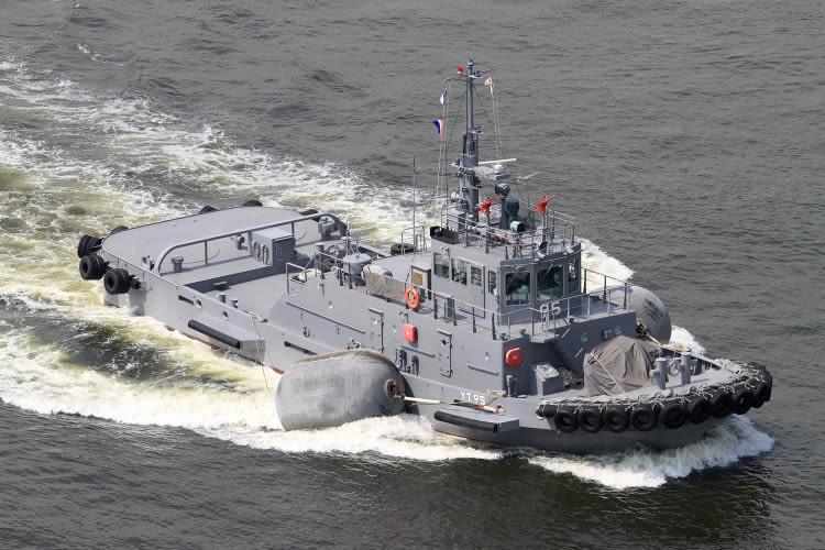 曳船 YT-95 「 曳船95号 」 - 写...