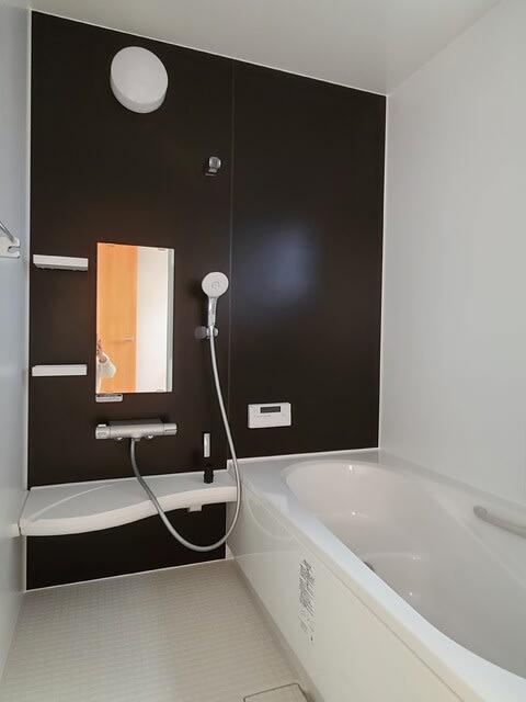 高知市朝倉の新築一戸建ての西村様邸のお風呂、ユニットバスの写真です。