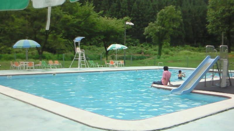 温泉プールオープン