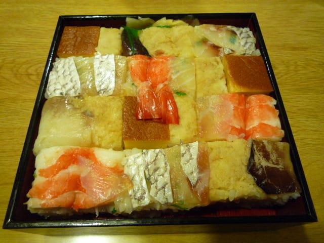 いづ重の上箱寿司 - 「楽しく生...