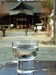 四柱神社の入口にて
